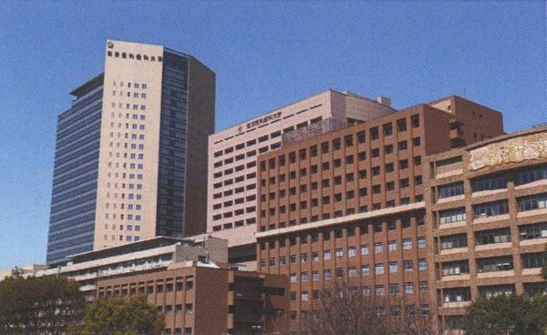 大学病院や高気圧学会等で 現在も治療や研究が進められている。